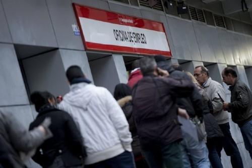 El empuje del pib olvida a hogares espa oles for Oficina de empleo azca madrid